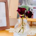 ドライフラワーの飾り方♪「バラを瓶で飾る」おすすめ6つの方法とは