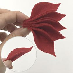 クリスマスリースをフェルトで手作り「ポインセチアの作り方手順 2」