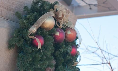 クリスマスリースに最適♪丸いリボンの作り方(ポンポンボウ)を解説