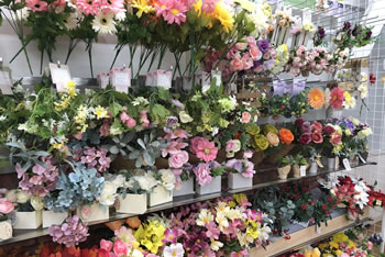 手作りリースの材料「100均の造花」