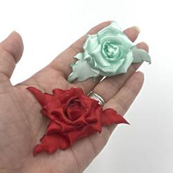 リボンで手作り「バラの花の作り方」