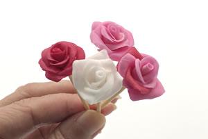 粘土で作る「バラの作り方(4タイプのカラー)」